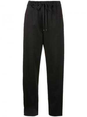Укороченные брюки со шнурком Astraet. Цвет: чёрный