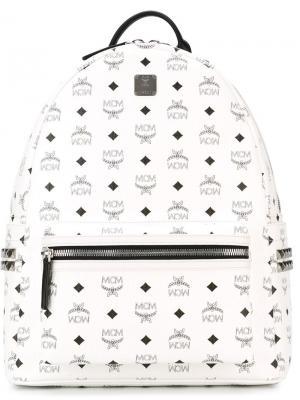 Рюкзак с логотипами MCM. Цвет: белый
