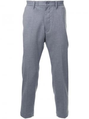Укороченные строгие брюки Cityshop. Цвет: серый