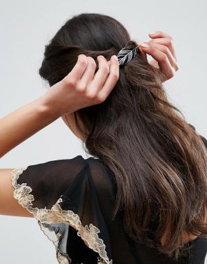 ASOS Заколка для волос в виде листика. Цвет: черный
