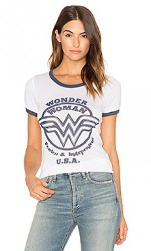 Футболка wonder woman Junk Food. Цвет: белый