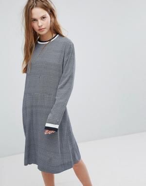 Wood Трикотажное платье с полосками Pillar. Цвет: синий