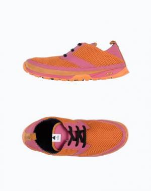 Низкие кеды и кроссовки VOLTA. Цвет: оранжевый
