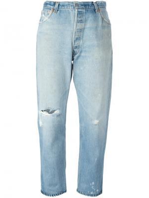 Укороченные джинсы с потертой отделкой Re/Done. Цвет: синий