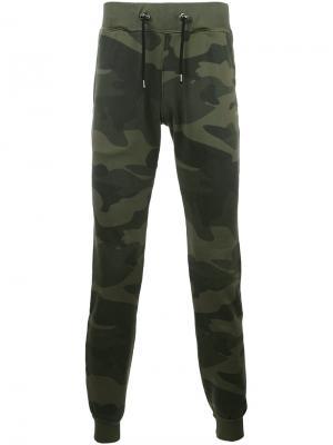 Камуфляжные спортивные брюки Hydrogen. Цвет: зелёный