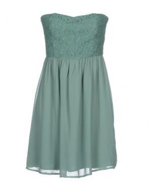 Короткое платье DUCK FARM. Цвет: зеленый