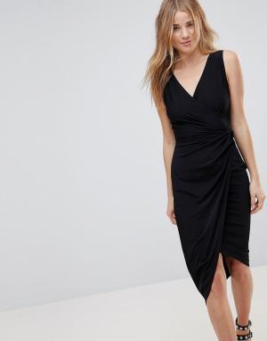 Wal G Платье миди с запахом. Цвет: черный
