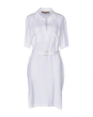 Платье до колена SPACE STYLE CONCEPT. Цвет: белый