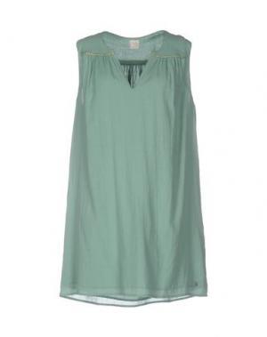 Короткое платье DES PETITS HAUTS. Цвет: зеленый