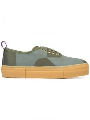Кроссовки с панельным дизайном Eytys. Цвет: зелёный
