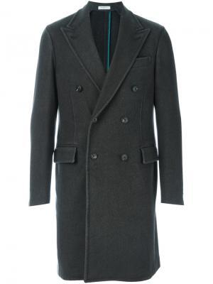 Двубортное пальто Boglioli. Цвет: серый