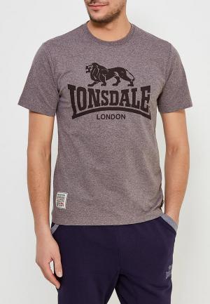 Футболка Lonsdale. Цвет: коричневый