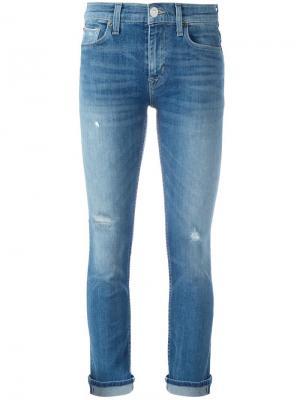 Укороченные джинсы с рваными деталями Hudson. Цвет: синий