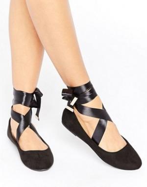 Raid Черные балетки с завязками. Цвет: черный