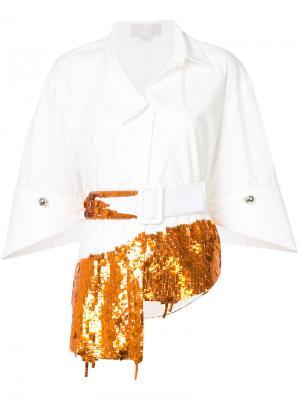 Рубашка с поясом и пайетками Monse. Цвет: белый