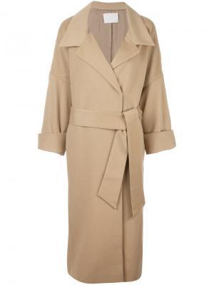 Пальто с поясом Mame. Цвет: телесный