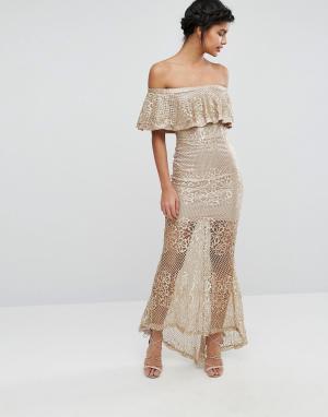 Love Triangle Кружевное платье макси с открытыми плечами. Цвет: золотой