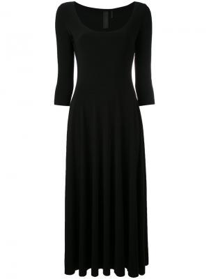 Платье-миди с глубоким круглым вырезом Norma Kamali. Цвет: чёрный