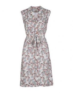 Короткое платье TUCKER. Цвет: белый