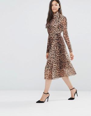 Soaked in Luxury Юбка миди с леопардовым принтом и сетчатой вставкой. Цвет: мульти