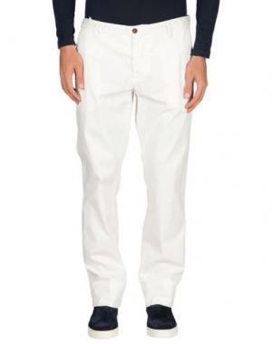 Повседневные брюки COCHRANE. Цвет: белый