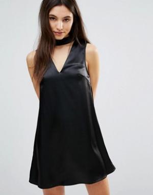 Parisian Цельнокройное платье с горловиной-чокер. Цвет: черный