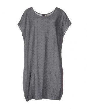 Короткое платье LOCAL APPAREL. Цвет: серый