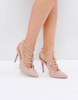 New Look Туфли на каблуке с заклепками. Цвет: бежевый