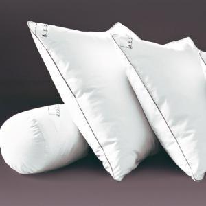 Подушка из вязкоэластичной пены с обработкой PRONEEM BEST. Цвет: белый