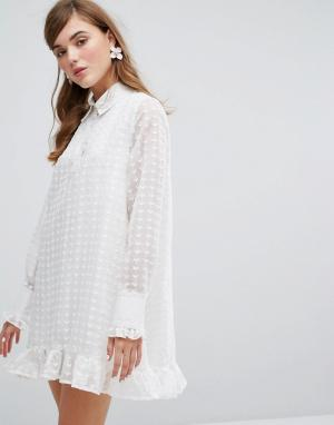 Sister jane Платье-рубашка с прозрачной вышитой накладкой. Цвет: белый
