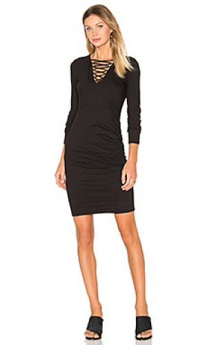 Платье с рюшами на шнуровке Pam & Gela. Цвет: черный