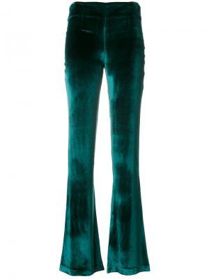 Бархатные брюки клеш Galvan. Цвет: зелёный