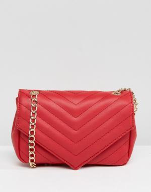 Glamorous Красная сумка через плечо с золотистой цепочкой. Цвет: красный