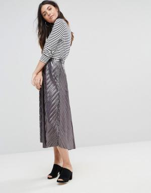Liquorish Плиссированная юбка миди. Цвет: серебряный