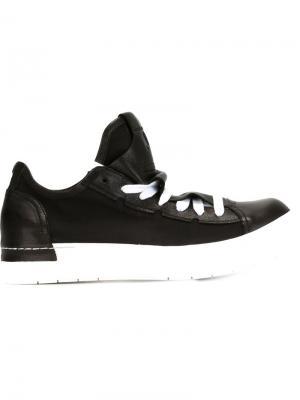 Кроссовки со шнуровкой и выступающим язычком Cinzia Araia. Цвет: чёрный