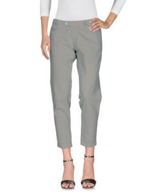 Джинсовые брюки OAKS. Цвет: светло-зеленый