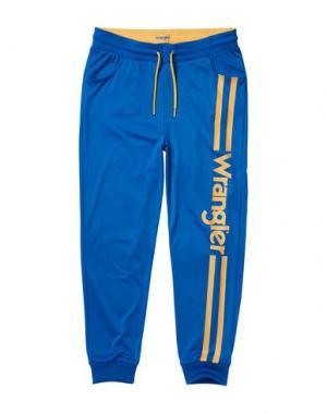 Повседневные брюки WRANGLER. Цвет: ярко-синий