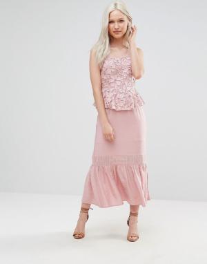 Foxiedox Платье миди с кружевом и баской Primrose. Цвет: розовый