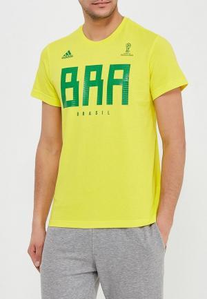 Футболка adidas. Цвет: желтый