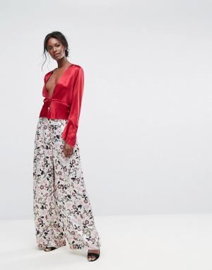 Bec & Bridge Брюки с широкими штанинами и цветочным принтом. Цвет: мульти