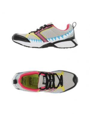 Низкие кеды и кроссовки STRD BY VOLTA FOOTWEAR. Цвет: светло-серый