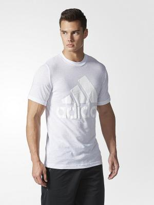 Футболка спортивная муж. BASIC TEE LOGO  WHITE Adidas. Цвет: белый