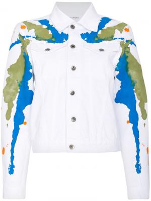 Джинсовая куртка с пятнами краски Mirco Gaspari. Цвет: белый