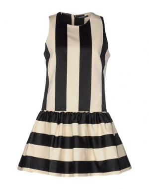 Короткое платье NINEMINUTES. Цвет: бежевый