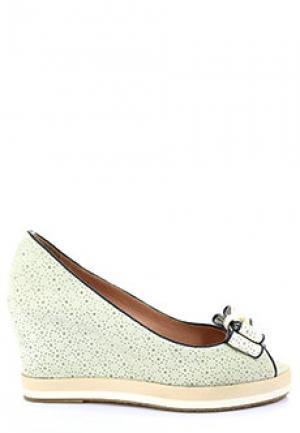 Босоножки PAKERSON. Цвет: белый