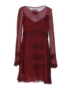 Короткое платье PINK MEMORIES. Цвет: красно-коричневый