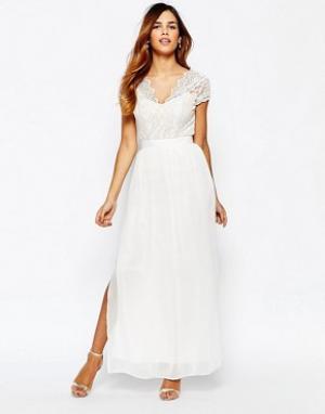 Elise Ryan Платье макси с двойным разрезом до бедра. Цвет: черный