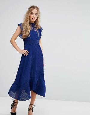 Foxiedox Платье миди со вставкой кроше на талии. Цвет: синий