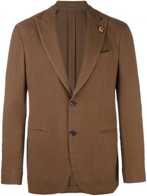 Пиджак на две пуговицы Lardini. Цвет: коричневый
