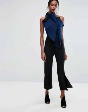 AQ Укороченные строгие брюки с легким клешем и разрезом AQ/AQ. Цвет: черный